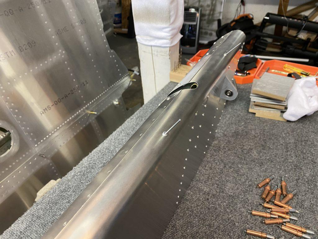 Riveting the balance tube