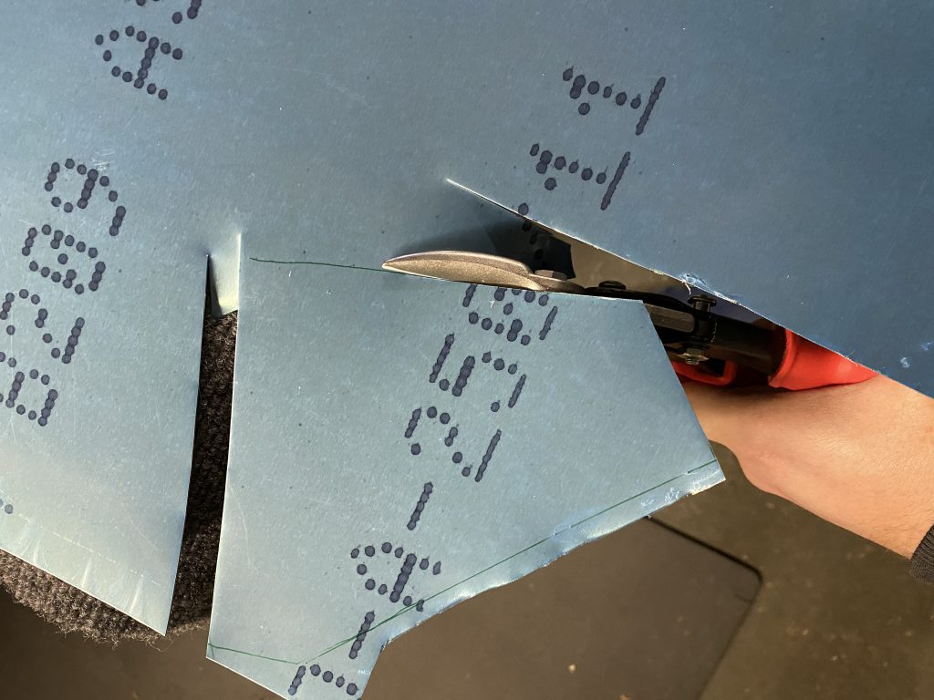 Cutting the bracket out of 0.032in aluminum